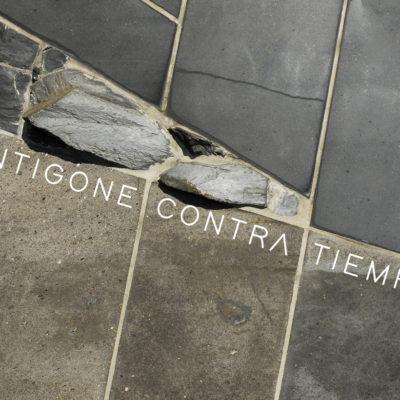 ANTIGONE / CONTRA / TIEMPO